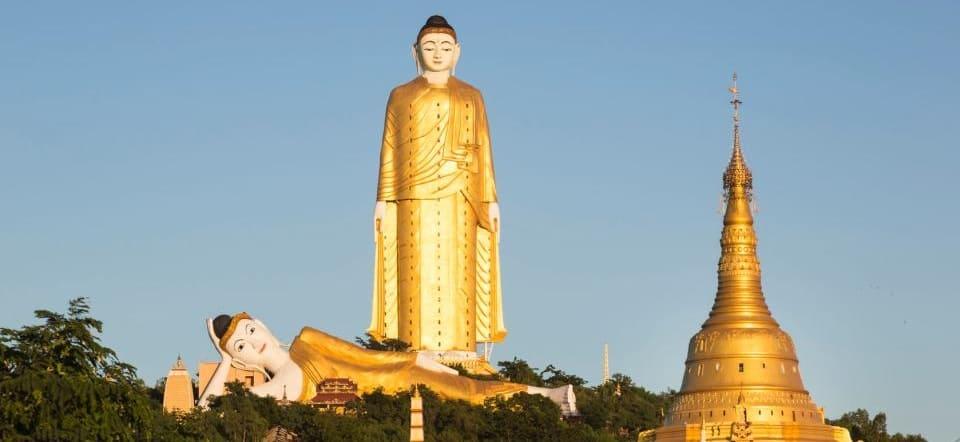 le plus grand bouddha couche
