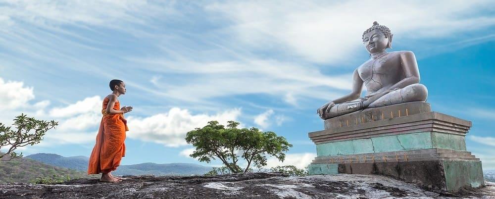 regle bouddhiste fondamentales